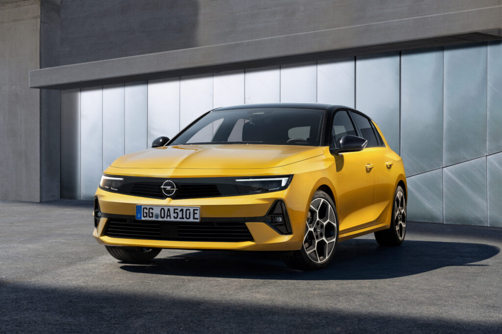 The new 2021 Opel Astra L